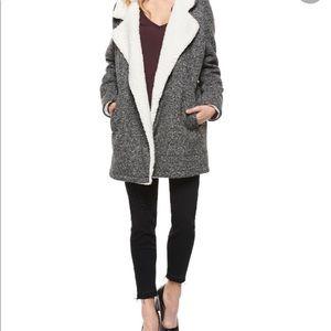 Dex Sherpa jacket with pockets